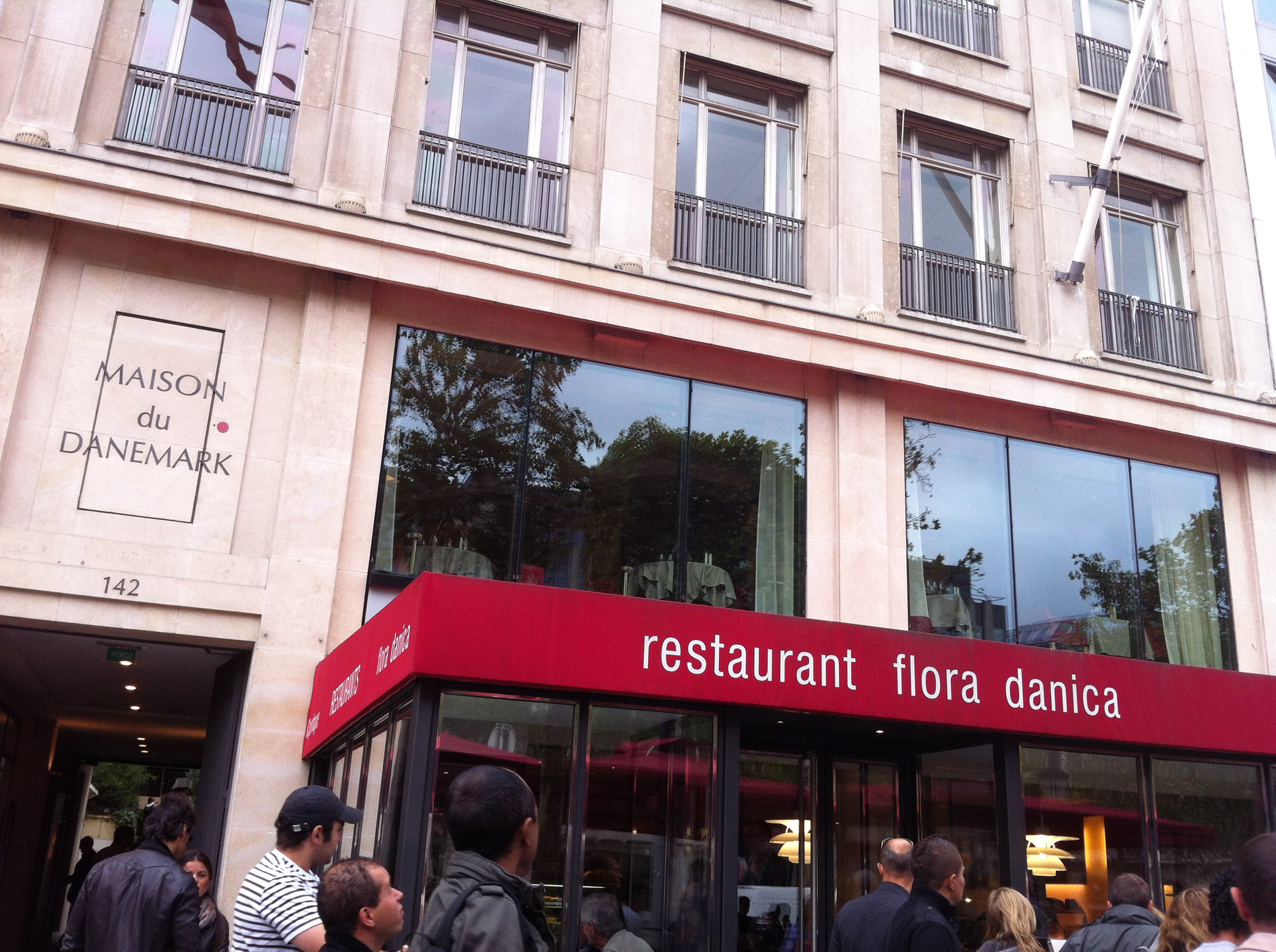 Le flora danica le restaurant aux accents danois for La maison du placard paris