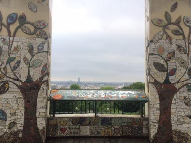 Vue panoramique sur Paris depuis l'esplanade du parc de Belleville - Paris 20ème