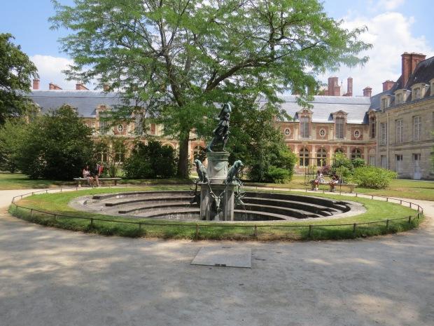 Fontainebleau : jardin Diane à la biche